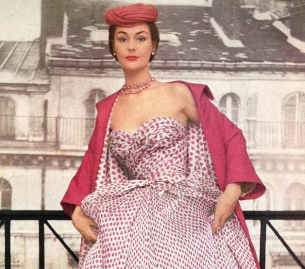 Screenshot_2019-02-01 Anne Gunning is wearing Dior's rose printed chiffon with rose silk coat lined in the same print, phot[...]